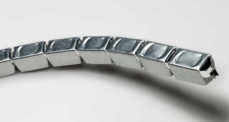 Guida da 30 vertebra flessibile con elementi snodati a passo 50 mm per pareti e controsoffitti curvi (30X30X30) Sp. 6_10